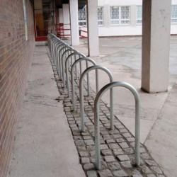 V Praze přibudou cyklostezky, stojany i nové značení tras