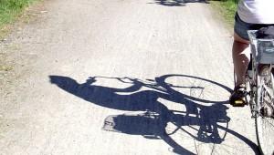 Opilý muž sednul na kolo, v zatáčce hodil záda