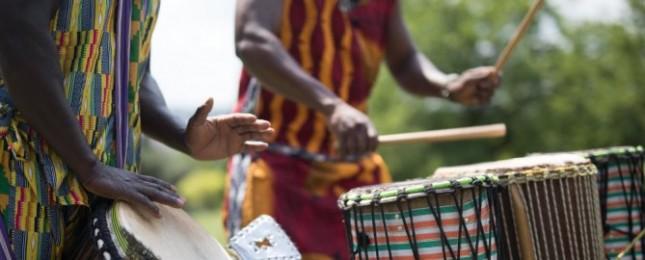 Zažijte Afriku všemi smysly. Trojská botanická zahrada zve na víkend plný hudby, tance i jídla