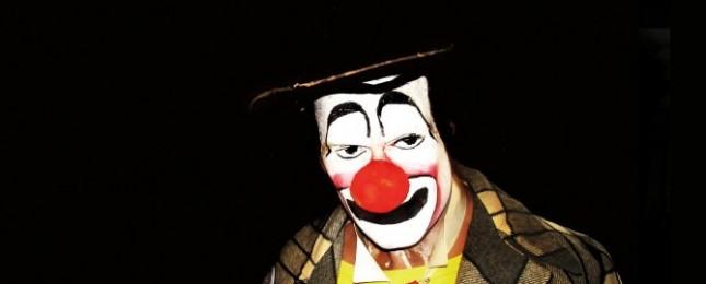 Bizarní honička v centru Prahy, klaun se jen tak nedal!