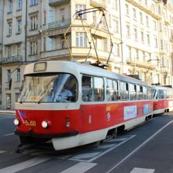 O podzimních prázdninách se v pracovní dny prodlouží intervaly v pražské MHD