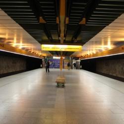 Před 28 lety začalo jezdit metro na Dukelskou, původně to mělo být na Únorového vítězství