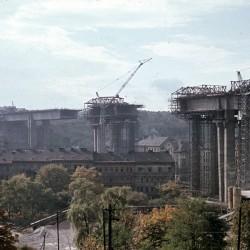 Nuselský most slouží dopravě čtyřicet let, na Letné se o něm dozvíte i málo známé informace