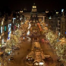 Praha si pronajme 12 kilometrů řetězů, za vánoční osvětlení dá letos skoro 700 tisíc