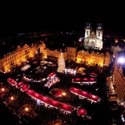 V centru metropole začaly vánoční trhy, strom se rozsvítil dopoledne