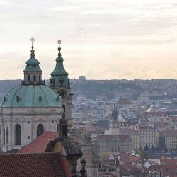 Žižkovská věž stojí už čtvrt století, výročí připomene komponovaný pořad