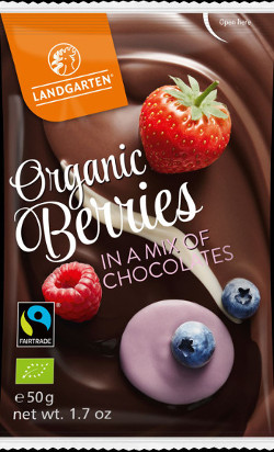 landgarten-chocolate-fruits-organic-berries-in-a-mix-of-chocolates