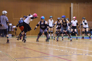 prague-city-roller-derby-facebook1