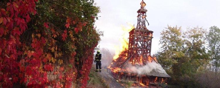В сборник на реставрацию сгоревшей деревянной церкви за месяц был собран миллион крон.