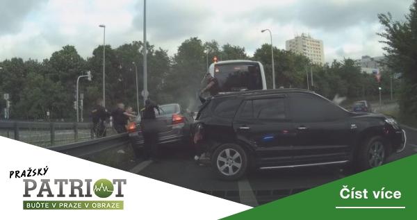 Řidič v kradeném autě způsobil nehodu s šesti zraněnými, byly mezi nimi i děti